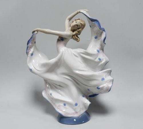 Статуэтка «Танцующая девушка» - фото 54482