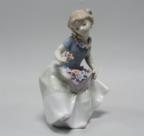 "Статуэтка ""Девочка с цветком"" - фото 54492"