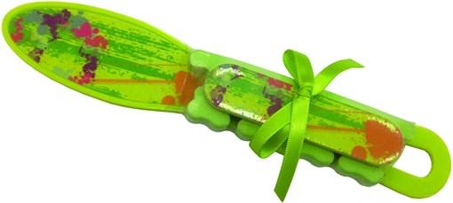 Набор педикюрный (терка, пилка, разделитель для пальцев) салатового цвета Деваль Бьюти (Dewal Beauty) NAB-2 - фото 94511