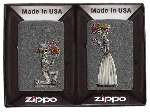 Набор из двух зажигалок Влюбленные зомби Zippo 28987 - фото 95549