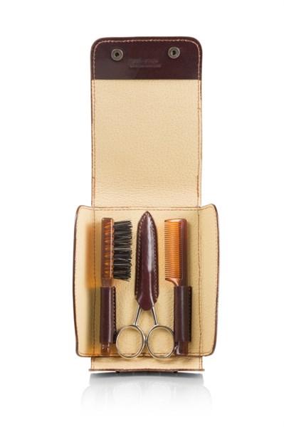Набор для усов и бороды: в коричневом чехле щетка, расческа и ножницы Mondial SV-075-BAF-M - фото 99563