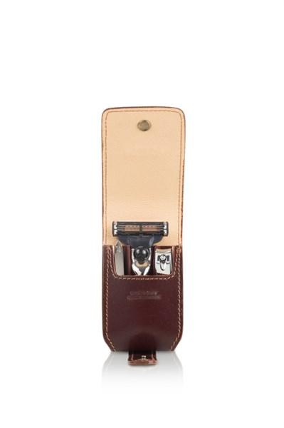 Бритвенный дорожный мини-набор: в кожаном чехле: станок, пинцет, книпсер Mondial SV-075-MIN-M - фото 99566