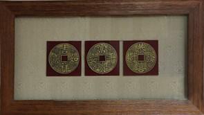 Картина по фен-шуй 3 счастливые монетки XMS-3337