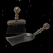 Набор для камина: совок большой + щетка плоская, антик AL-80-347-B-ANT