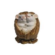 Фигурка декоративная Белые крыски в орешке (акрил) L5 W4 H4 см