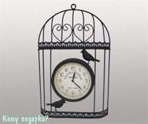 Часы в металлическом корпусе