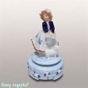 Статуэтка музыкальная «Девочка с котом», h=18 см