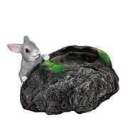 Кашпо декоративное Заяц у камня L28W19H17см