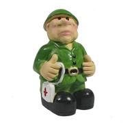 Фигура декоративная Солдат с аптечкой L4.5W4H8см